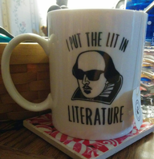 """I put the lit in literature"" mug"